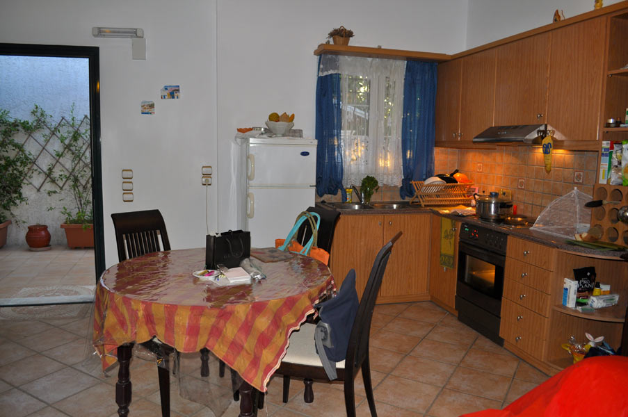 2 bedroom apartment 1st floor - kitchen